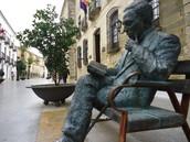 A la muerte de Leonor, Machado vuelve a su Andalucía natal, ¿qué percepción tiene de la vida en el sur?