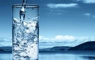 Debes beber mucha agua.