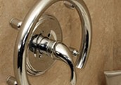 The HealthCraft bathroom accessories assist the elderly and people with disabilities.