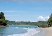 una playa en El Parque Nacional Manuel Antiono