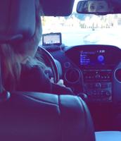 Me gusta conducir un carro.