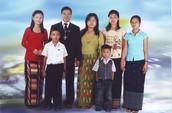 An Myanmar family