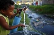 El Agua es un recurso de gran importancia para el Planeta, es un recurso vital para los seres vivos.  Todos los seres humanos en mayor o menor proporción hacemos uso de ella, pero pocos le damos el verdadero valor para nuestra salud.  Cuidemos este recurso, aun estamos a tiempo de seguir siendo priviligiados.