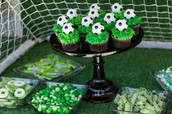 Yummy Soccer Ball Cupcakes!!
