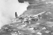 U.S. Army Air Forces: Boeing B-17 Flying Fortress - Heavy Bomber.