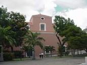 El Edificio en La Cuadra Bolívar