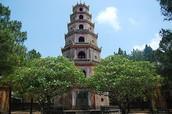 Come to Theien Mu Pagoda