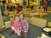 Haylee and Franziska in Blocks Center