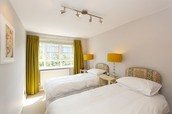 Serviced Apartments Barons Court