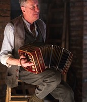 Hans Accordian