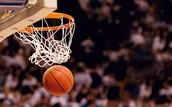 Debes jugar al basquetbol.