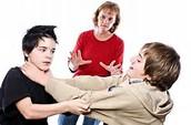 Se prohíbe pelear con otros estudiantes