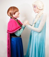 Sing & Dance with Anna & Elsa