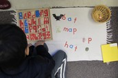 Spelling with the moveable alphabet