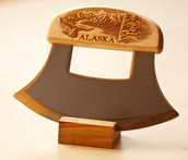 Fascinating Alaskan Ulu Knives and Cutting Boards for that Perfect Slicing in your Kitchen