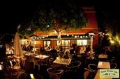 Le French Cafe Cafe