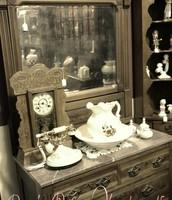Exquisite Antiques