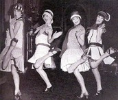 FLAPPERS (UNTRADTIONAL WOMEN)