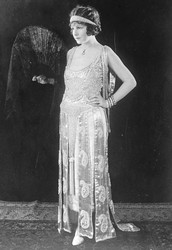 Women's Fashion: The Flapper Style