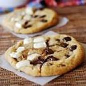 cookies with white chocolate and dark chocolate