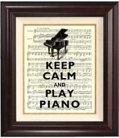 SOM DU SER ÄR DET ENKELT ATT LÄRA SIG SPELA PIANO!