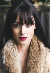 Paulina Riedler | Chloe + Isabel Merchandiser