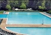 The Lakeside Pool