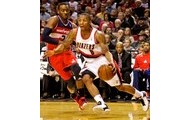 Damian Lillard driving along the baseline
