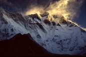 What is Lhotse (ˈlōt-ˈsā) or South Peak?