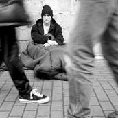 Gente sin hogar es invisible.