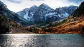 The beautiful mountains  of colorado