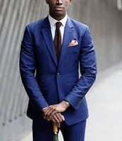 trajes azules cuestan 200 $