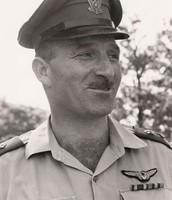 מרדכי הוד- המפקד השביעי של חיל האוויר פיקד על מבצע מוקד שהשמיד בהן את חילות האוויר הערביים בתחילת מלחמת ששת הימים