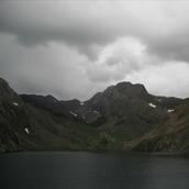 En las laderas de las montañas