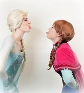 Take Photos with Anna & Elsa