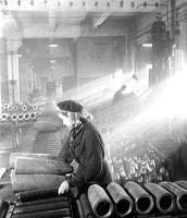 Изготовление авиационных бомб на оборонном заводе